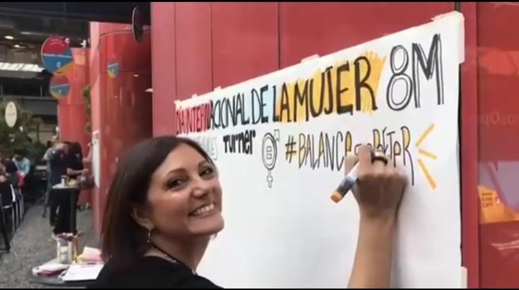 Registro Visual en vivo en evento del día de la Mujer para Turner.